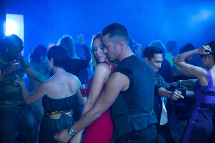 "Joseph Gordon-Levitt macht sich an Scarlett Johansson ran: Deutscher Teaser Trailer zu ""Don Jon"""