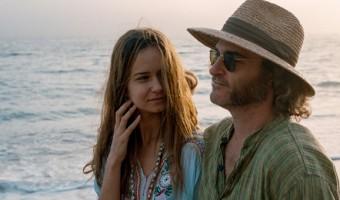 """Gewinnspiel zu """"Inherent Vice – Natürliche Mängel"""": Joaquin Phoenix ganz groovy"""