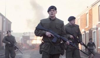 """Gewinnspiel zu """"'71: Hinter feindlichen Linien"""": Jack O'Connell in Nordirland auf der Flucht"""