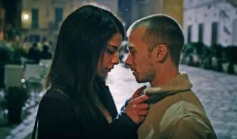 """Filmkritik zu """"Spring – Love is a Monster"""": Liebesdrama und Horror in knapper Perfektion"""