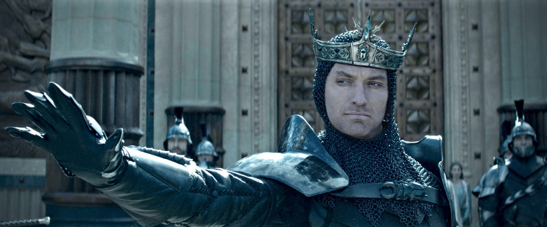 KING ARTHUR: LEGEND OF THE SWORD, Copyright: © 2016 WARNER BROS. ENT. INC., VILLAGE ROADSHOW FILMS NORTH AMERICA INC. AND RATPAC-DUNE ENT. LLC - U.S., CANADA, BAHAMAS & BERMUDA © 2015 WARNER BROS. ENT. INC., VILLAGE ROADSHOW FILMS (BVI) LIMITED AND RATPAC-DUNE ENT. LLC - ALL OTHER TERRITORIES, Photo Credit: Courtesy of Warner Bros. Pictures