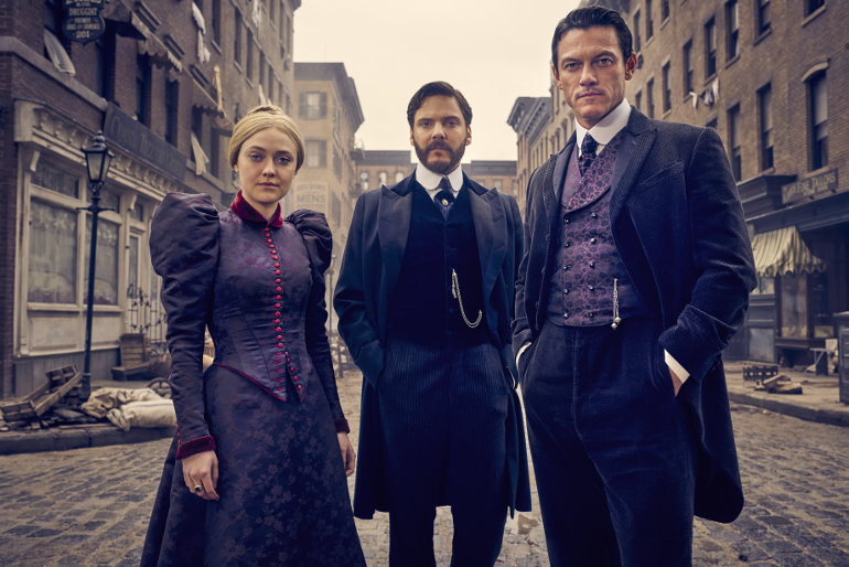 The Alienist Season 1, Kurt Iswarienko, TM & © Turner Entertainment Networks, Inc. A Time Warner Company. All Rights Reserved
