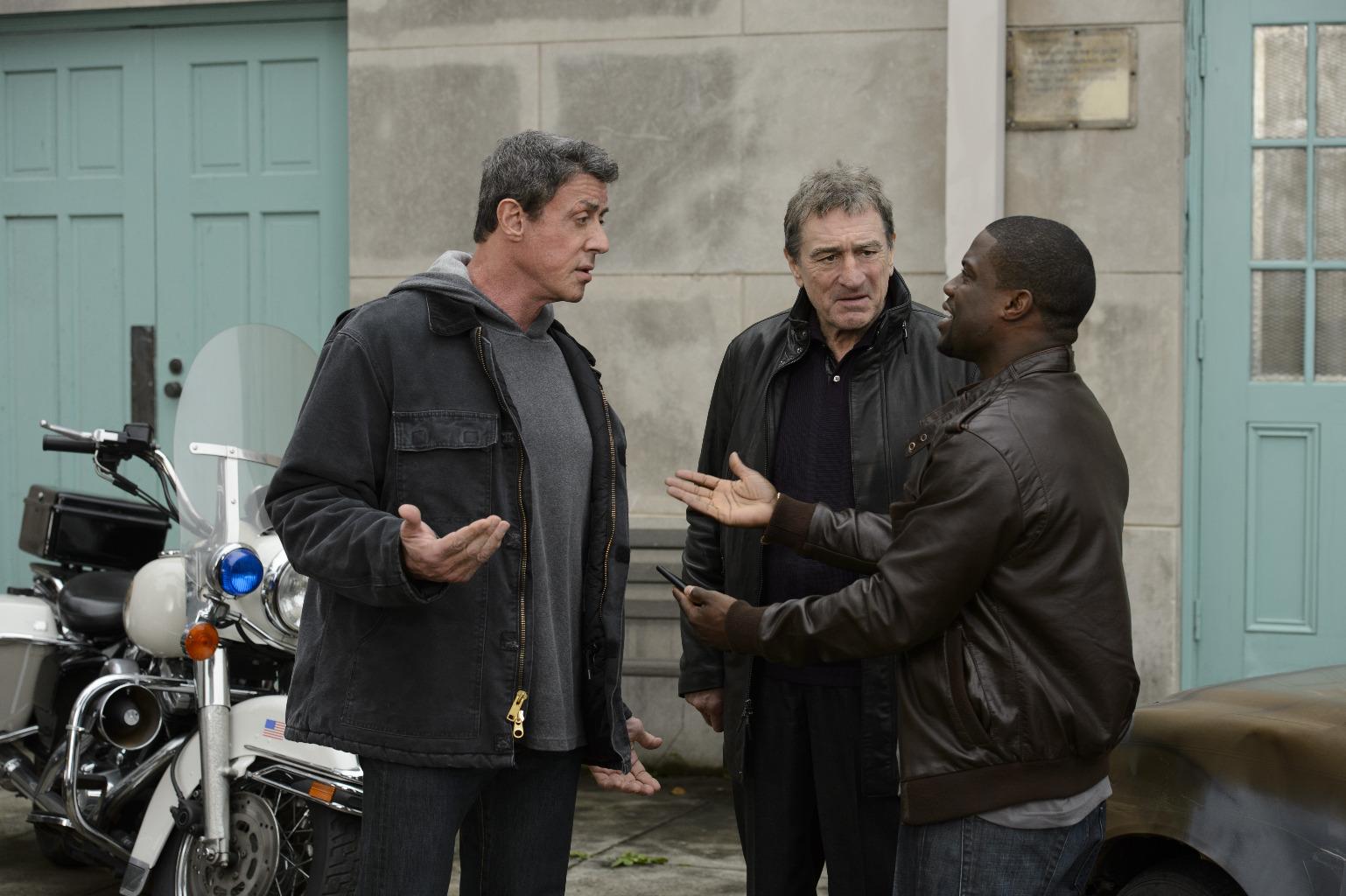 """Stallone, De Niro und Kevin Hart auf dem offiziellen Filmbild aus dem Boxfilm """"Grudge Match"""""""