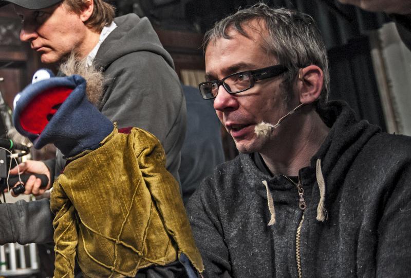 Autoschrauber, Mathe-Nerd, Puppenspieler: René Mariks einmaliger Weg zum Ruhm