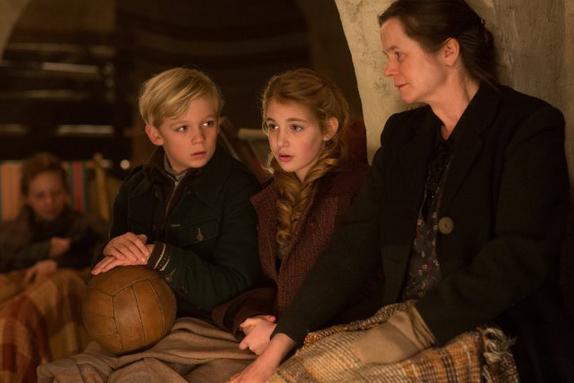 The Book Thief – Erster Trailer zum Weltkriegsdrama mit Geoffrey Rush und Emily Watson