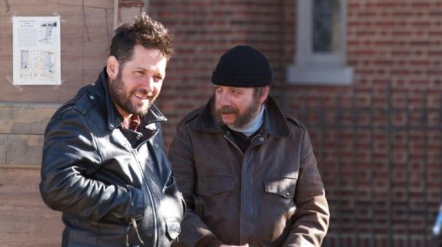 """Erster Trailer: Paul Rudd und Paul Giamatti verkaufen Weihnachtsbäume in """"All Is Bright"""""""