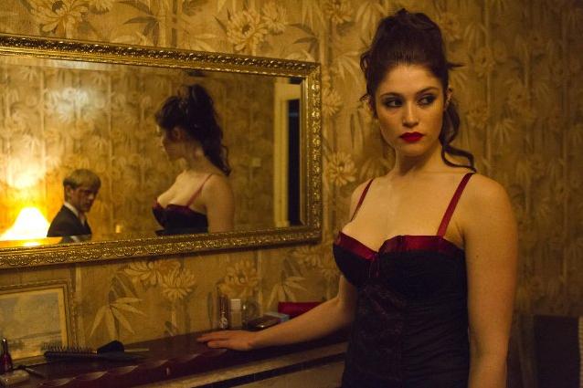 """Gemma Arterton und Saoirse Ronan als Blutsauger: Erster deutscher Trailer zum Vampir-Drama """"Byzantium"""""""