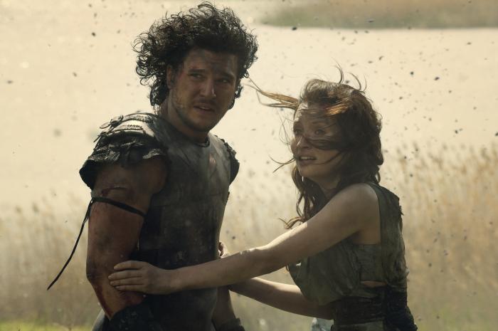 """Kit Harington kämpft um Emily Browning im neuen deutschen Action-Trailer zu """"Pompeji 3D"""""""