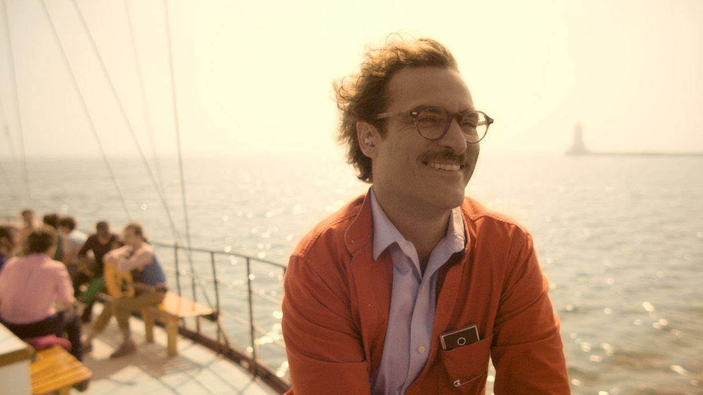 """Einsamer Joaquin Phoenix im ersten deutschen Trailer zum Oscar-nominierten Film """"Her"""""""
