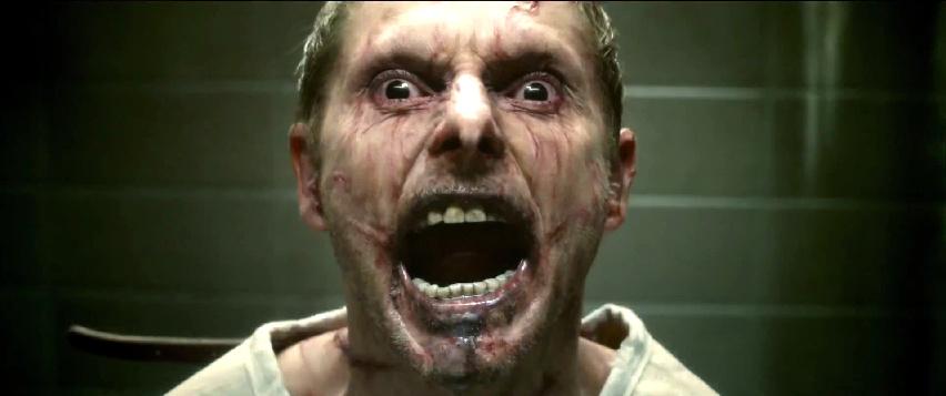 """Eric Bana sieht teuflische Dinge: Deutscher Trailer zu """"Erlöse uns von dem Bösen"""""""