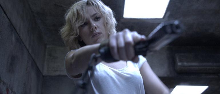 """Scarlett Johansson erledigt alle Männer im neuen deutschen """"Lucy""""-Trailer"""