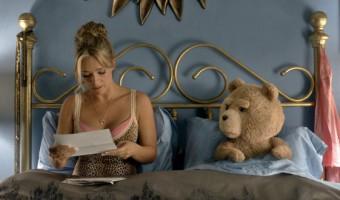 """Erster deutscher Trailer zu """"Ted 2"""": Derbe und irrsinnige Buddy-Komödie geht in Runde 2"""