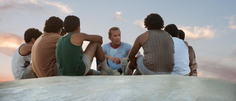 """Kevin Costner trainiert Leichtathletik-Team: Erster deutscher Trailer zu """"City Of McFarland"""""""