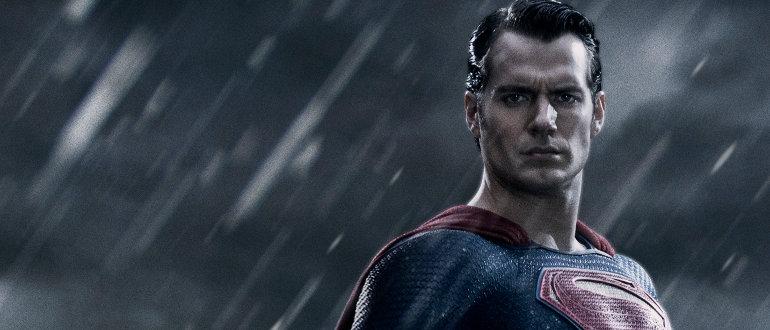 """Batman v Superman: Dawn of Justice"": Der komplette Teaser Trailer jetzt auch offiziell online"
