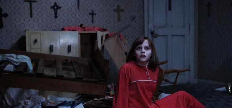 """Erstes Filmbild aus der Fortsetzung """"The Conjuring 2: The Enfield Poltergeist"""" von James Wan"""