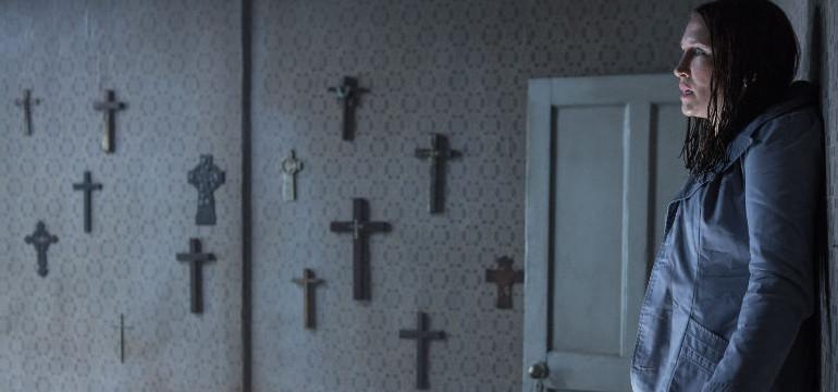 """Umgedrehte Kreuze an den Wänden – im ersten deutschen Trailer zu """"The Conjuring 2"""""""