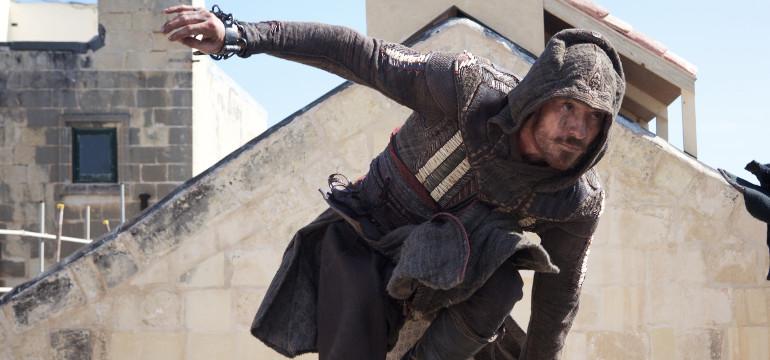 """Die Welt von """"Assassin's Creed"""": Neues Featurette zeigt ein Blick hinter den Kulissen der Spiele-Verfilmung"""