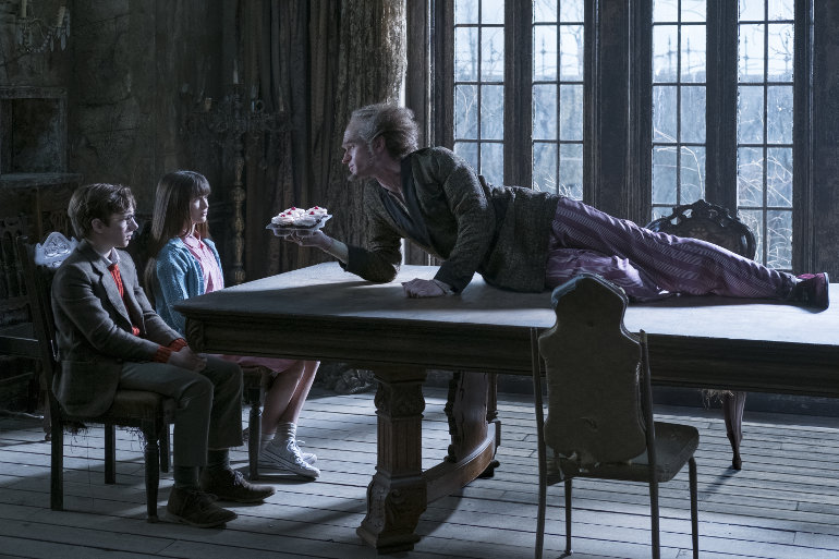 """Neil Patrick Harris als Graf Olaf: Erster Teaser zur neuen Netflix-Serie """"Eine Reihe betrüblicher Ereignisse"""""""