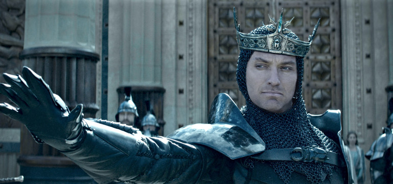 "Kingdom: Guy Ritchies Fantasy-Action-Abenteuer ""King Arthur: Legend of the Sword"" mit neuem Trailer"