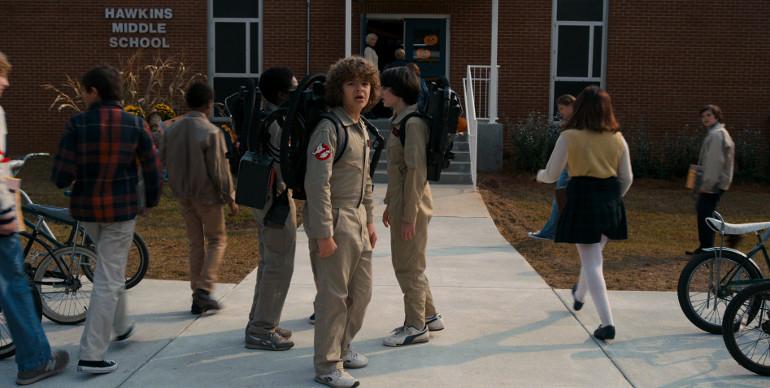 """""""Stranger Things – Staffel 2"""": Super Bowl-Teaser Trailer zeigt eine sich unbekannte erhebende Finsternis"""