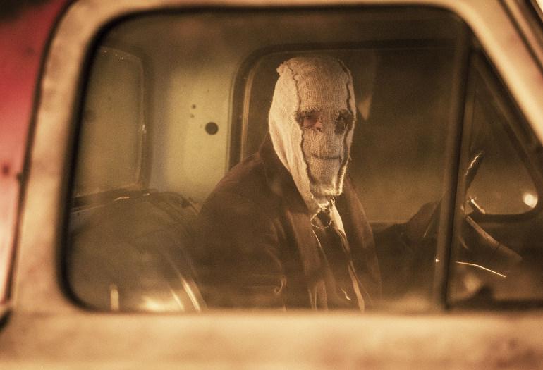 """Das Sequel nach 10 Jahren: Erster Teaser Trailer zum Horrorthriller """"The Strangers: Opfernacht"""""""