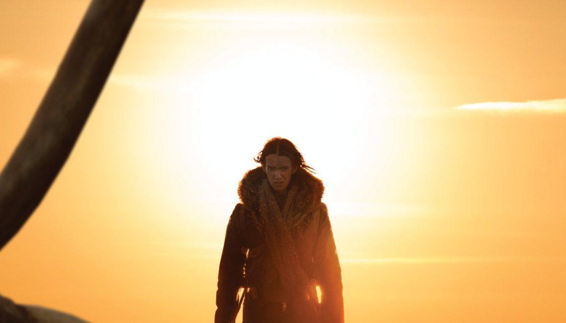 """""""Alpha"""": Neuer deutscher Trailer zum Eiszeit-Abenteuer – ein Junge und ein Wolf verbünden sich"""