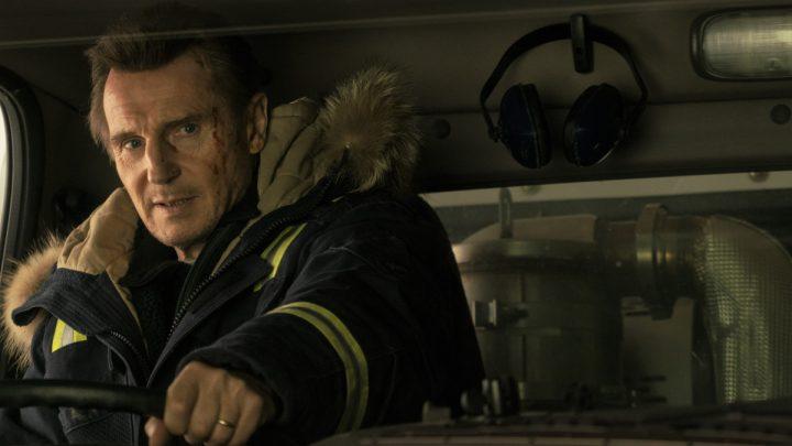 """""""Hard Powder"""": Liam Neeson als grimmiger Racheengel im neuen Actionthriller – deutscher Trailer"""
